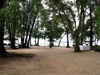 Paket liburan ke pulau pelangi