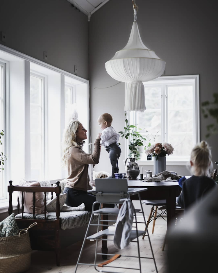 Understated (Yet Super Pretty) Christmas Decorations Inward A Swedish Home