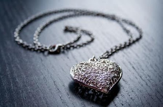 Puisi Cinta Mungkin Ini Karena Kamu Karya Afidatul Putri Aisyiyah