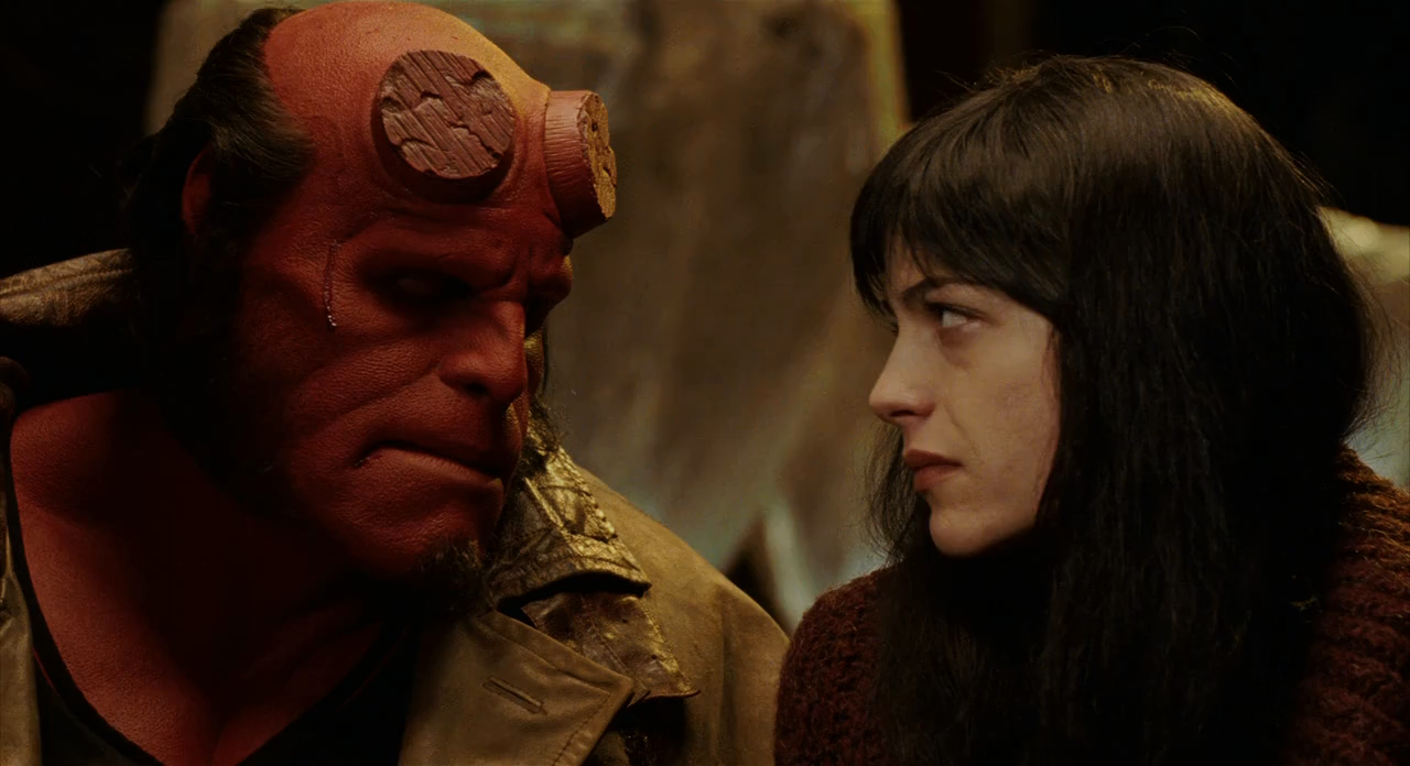 Hellboy (2004) DIRECTOR'S CUT BRRip 720p Latino - Ingles captura 2