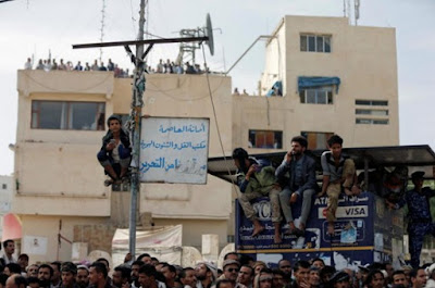 Yemen: People gathered to watch the execution of Muhammad al-Maghrabi.