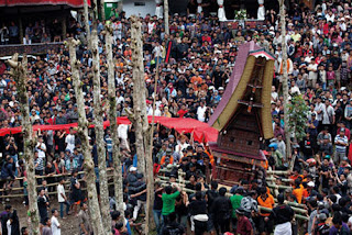 Upacara Pemakaman Ditoraha - Rambu Solo Termahal