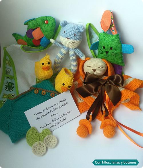 Con hilos, lanas y botones: regalo de bienvenida para bebé