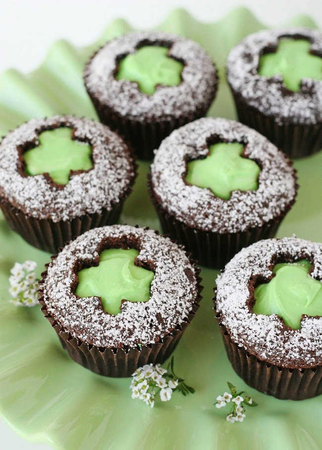 http://www.glorioustreats.com/2012/03/shamrock-cut-out-cupcakes.html