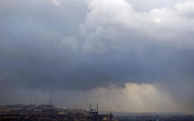نشرة اخبار الطقس اليوم 28-1-2017 من الارصاد الجوية وتقوعات بسقوط الامطار وانخفاض درجات الحررة