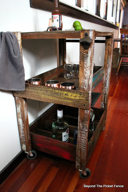 shelf, cart, bar, pallet wood, reclaimed wood, http://goo.gl/vDoqBv