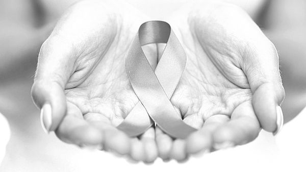 """""""Black and White Challenge"""" not helping cancer patients?"""