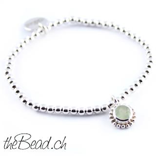 feder armband hier in kombination mit grünem stein prehnit armband
