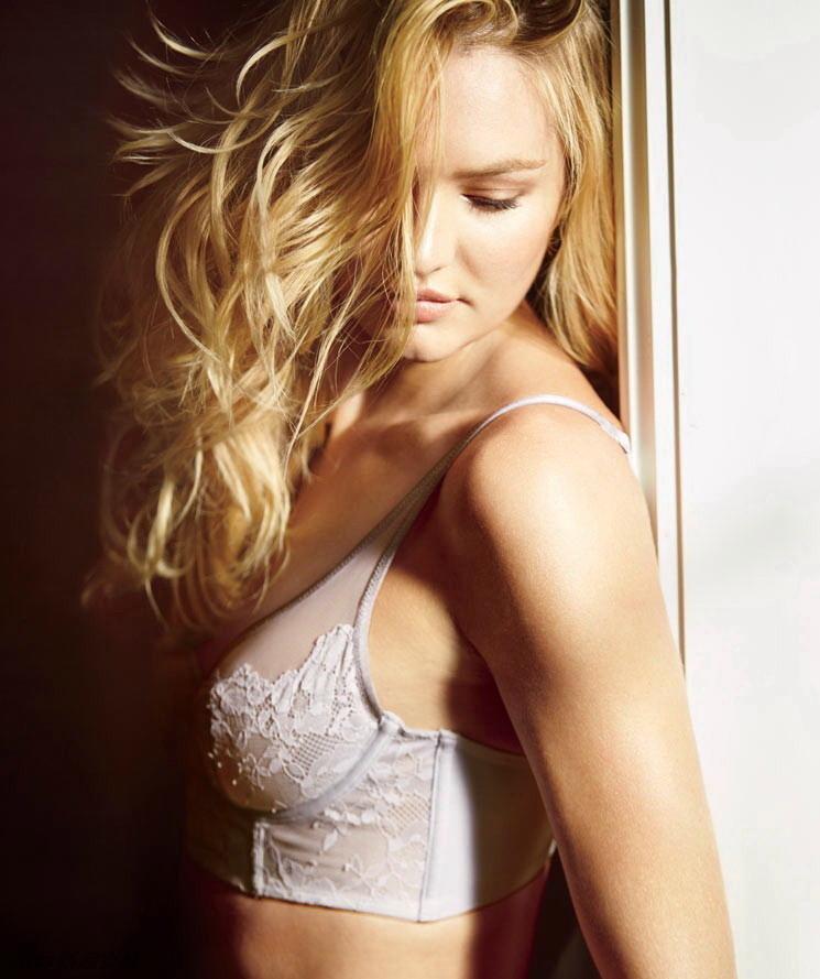 Victoria's secret autumn and winter 2015 rwear supermodel overflowing beauty
