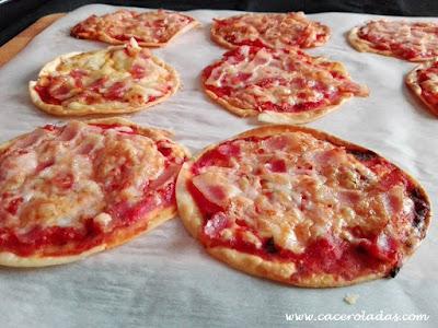 Mini pizzas rápidas con obleas de empanadillas