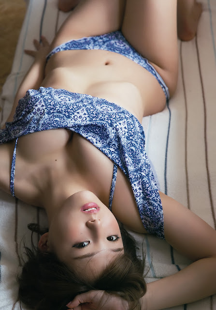 Hot girls Japanese Gravure Idol Young Animal 2018 9