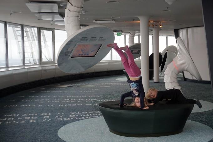 Lasten mielestä parasta Tallinnan Teletornissa on riehuminen