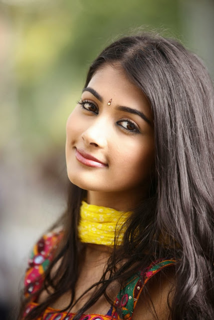 Pooja-Hegde-5k-Wallpapers