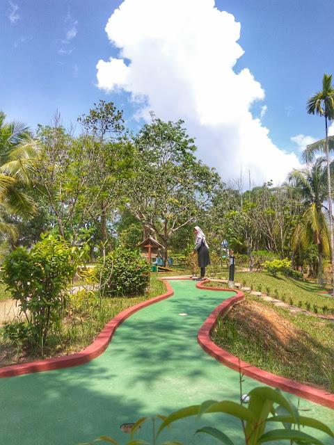 Mini Golf At Sijori Resort & Spa