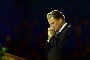 BILLY GRAHAM DAILY DEVOTIONAL: HOW TO LOVE