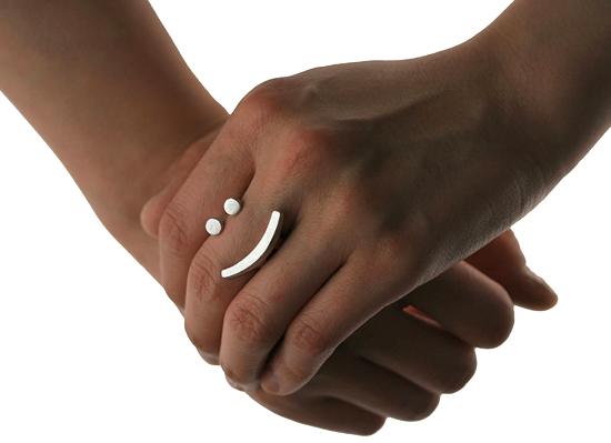 Diseño de anillo de plata