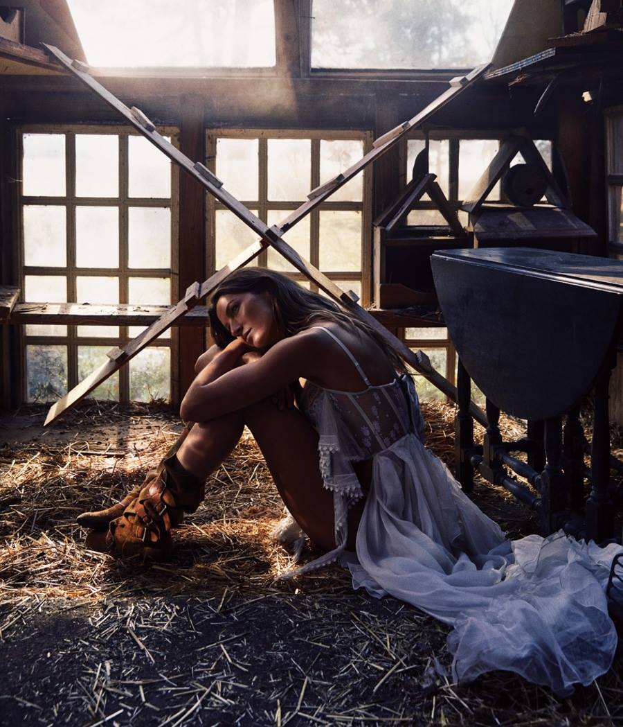 WSJ Magazine April 2018 Gisele Bündchen by Mikael Jansson