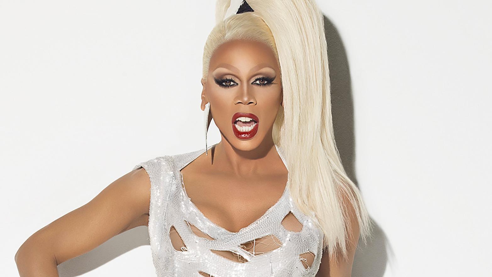 Essa não é a primeira vez que a drag se atrapalha com imagens nesta rede social.