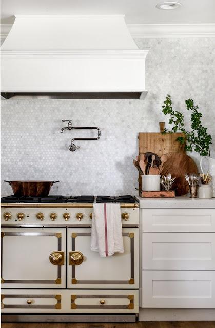 White and Gold Vintage Style Range in Farmhouse Kitchen