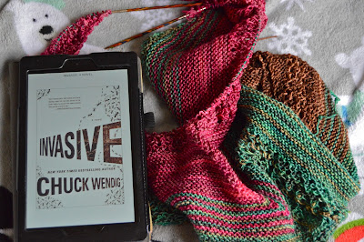 Reading Invasive and knitting Find Your Fade for Yarn Along Wednesday