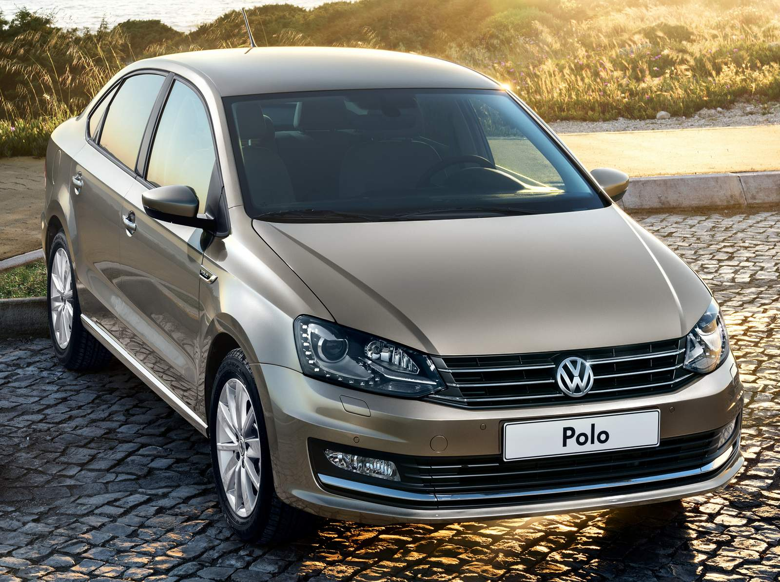 vw polo sedan 2016 chega com facelift na europa fotos car blog br. Black Bedroom Furniture Sets. Home Design Ideas