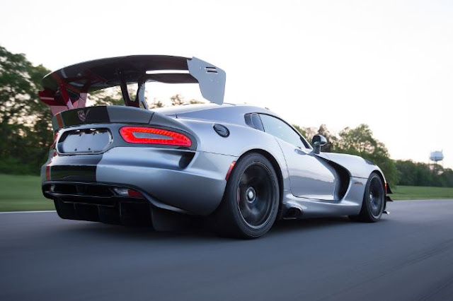 2017 Dodge Viper SRT Reviews