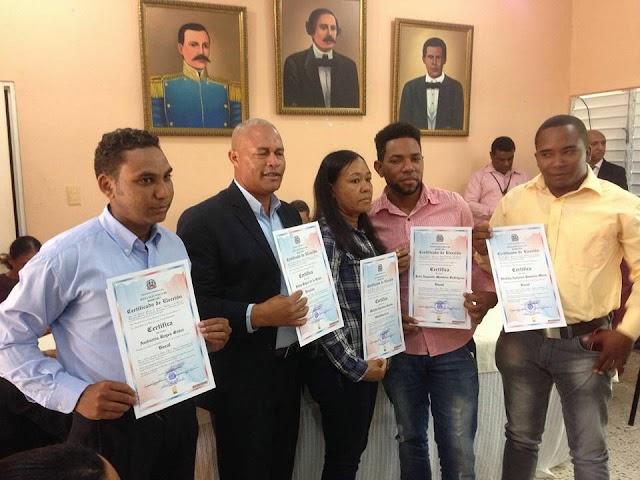Conozcan las nuevas autoridades Ayuntamiento de Yaque, 2016-2020