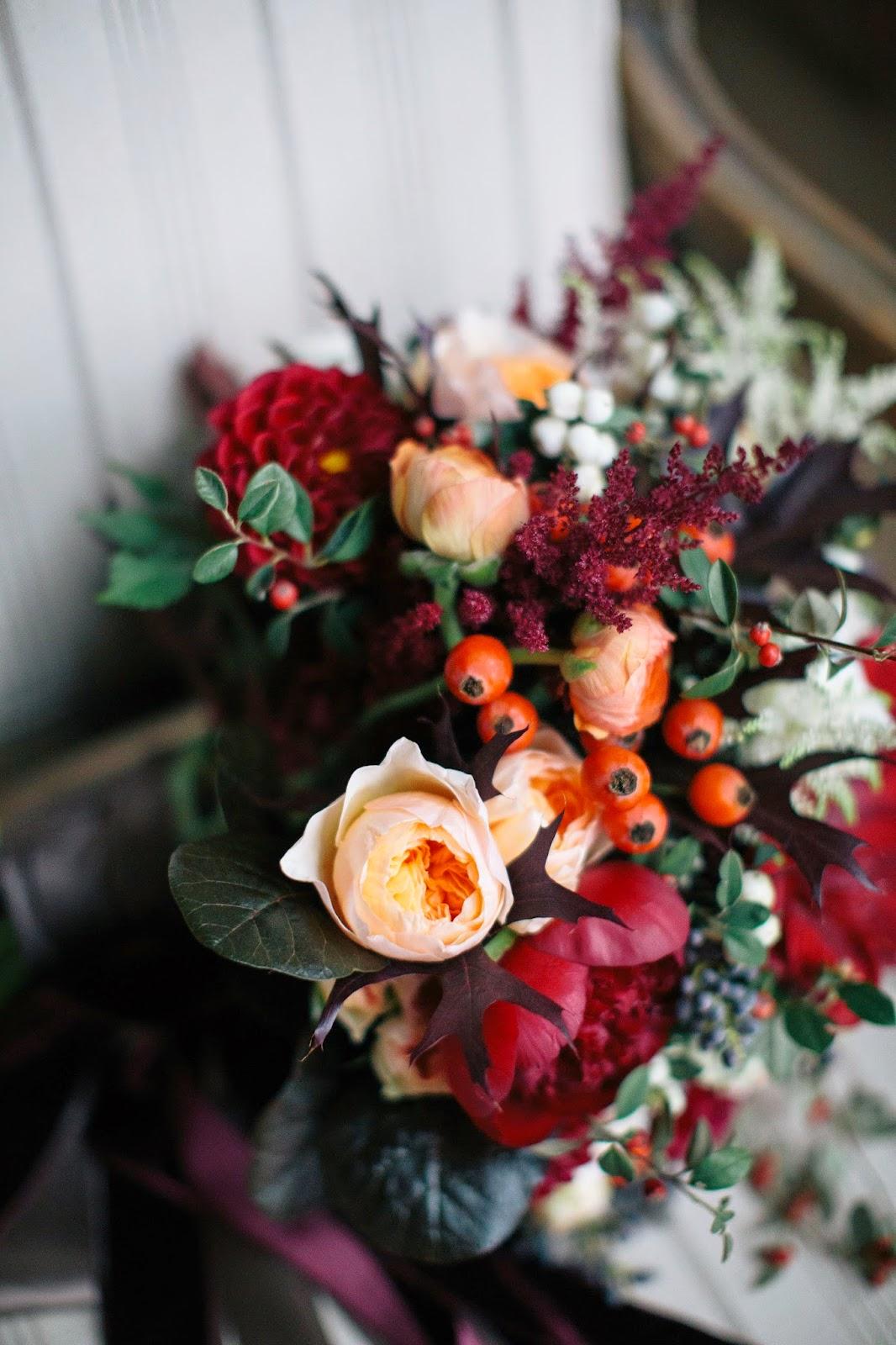 At home elopement fall wedding megan braemore for Fleurs amaryllis bouquet