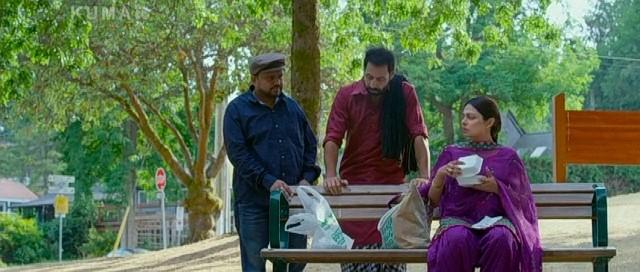 Neeru Bajwa, Binnu Dhillon, and Pankaj Batra in Channo Kamli Yaar Di 2016 Punjabi 700MB DVDRip Download