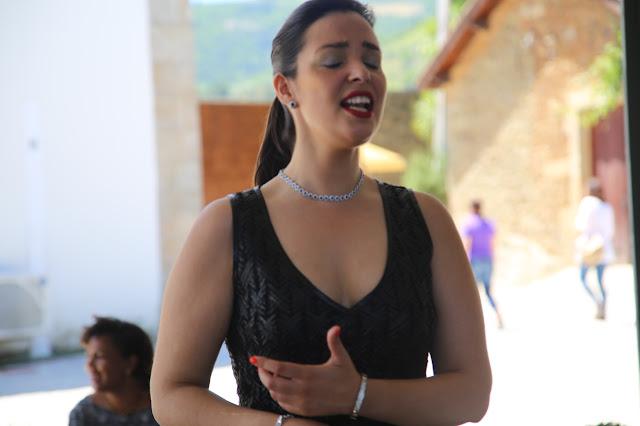 fado singer, feira do douro, portugal