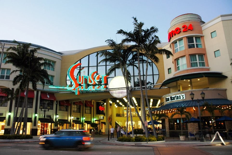 Shopping The Shops At Sunset Place em Miami