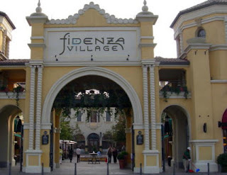 6 shopping area in milan you must visit world tourist for Milan factory outlet