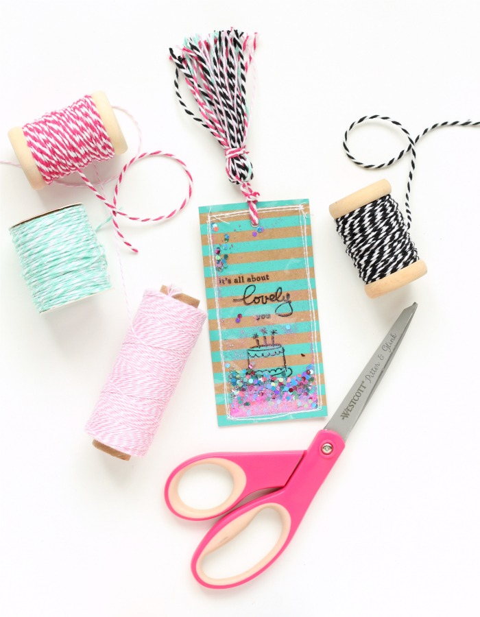 Handmade Shaker Bookmark: Adding a tassel made from baker's twine. | pitterandglink.com