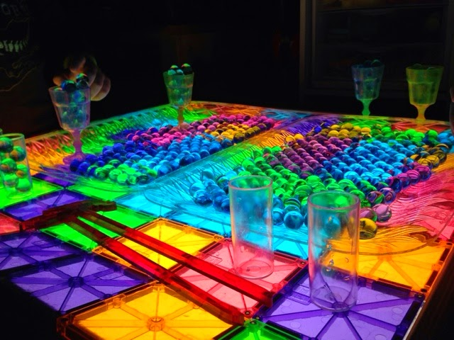 Magna-Tiles and waterbeads on the light table