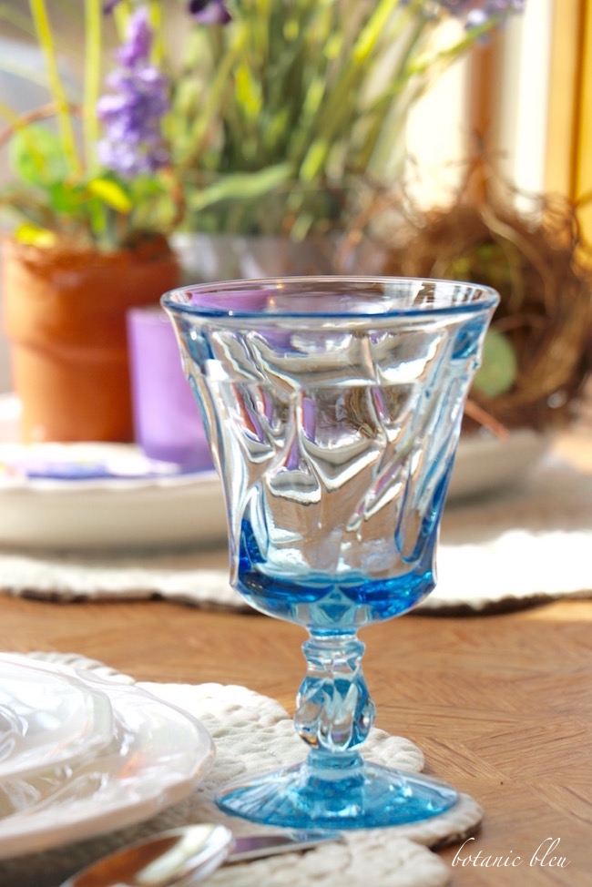 blue-fostoria-glass-for-early-spring-table