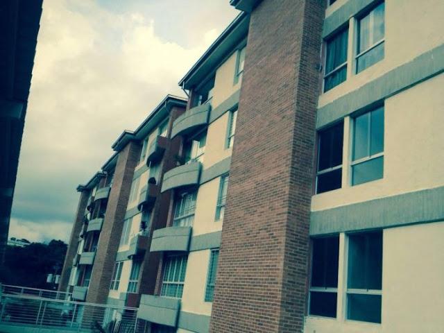 Venezolanos rematan apartamentos y carros para irse del país o sobrevivir