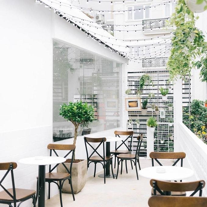 4 quán cà phê mới nổi dành cho 'team sống ảo' ở Sài Gòn -1