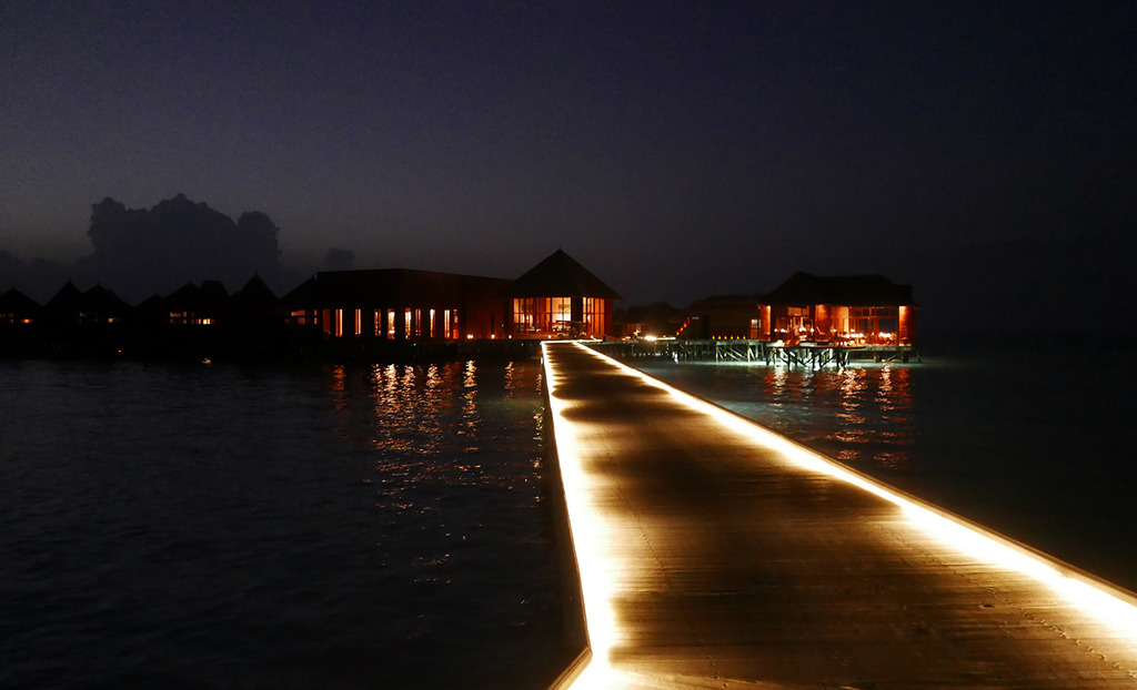 Euriental | fashion & luxury travel | Conrad Maldives, Mandhoo restaurant