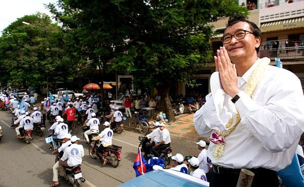 Sam+Rainsy+2008+election+campaign+(AP).jpg