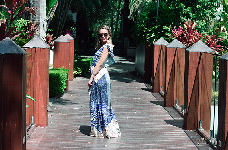 photoshoot palm cove alamanda resort girl wearing blue boho print maxi dress and tory burch sunglasses