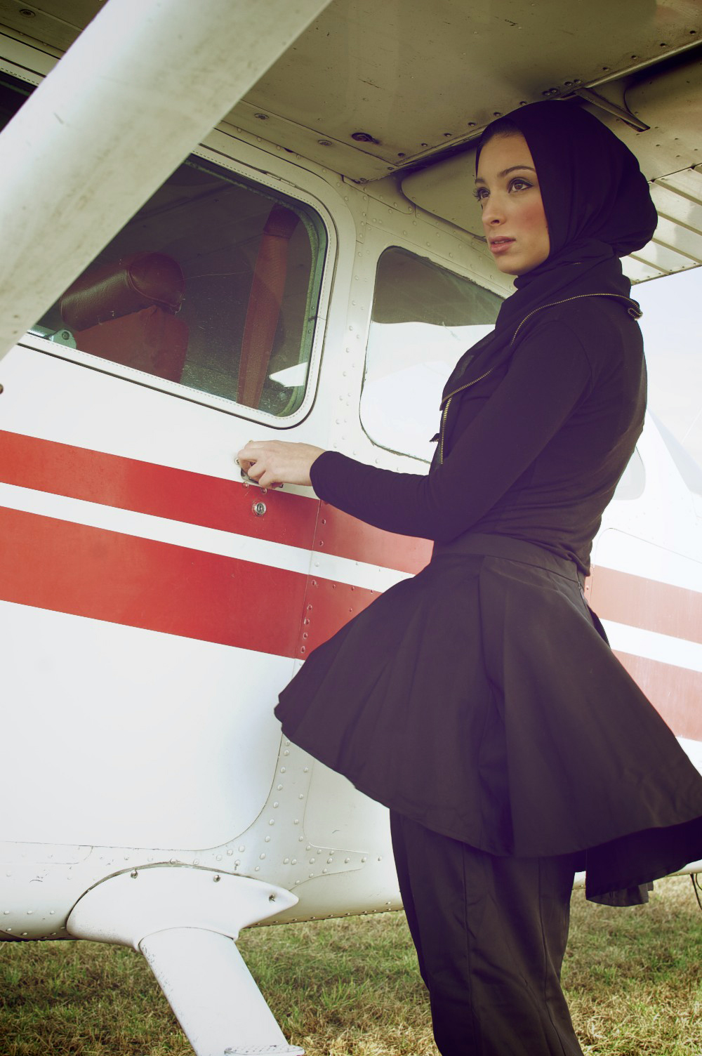 model seksi dan cantik News Anchor Noor Tagouri hijab