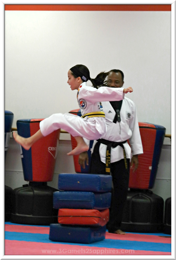 Jumping in Logo Loops Taekwondo headband #loveourloops (sponsored)  |  www.3Garnets2Sapphires.com