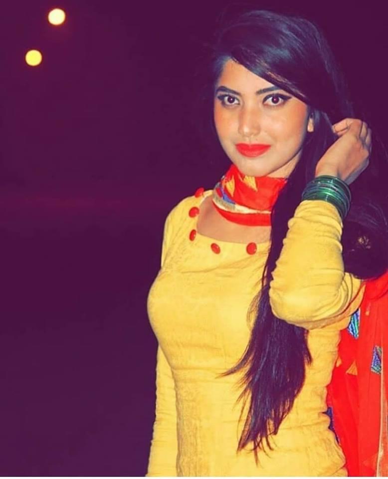 Fresh Aunty- Indian Aunties Whatsapp Numbers: Mallu Girls
