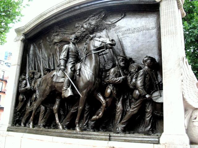 Statue Robert Boston Shaw Gould