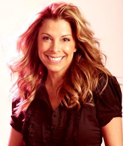 Foto de Mimi Hernández con cabello suelto