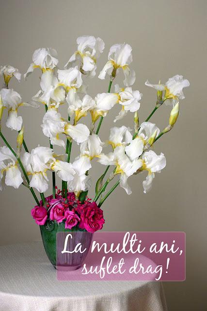 la multi ani si buchet cu flori