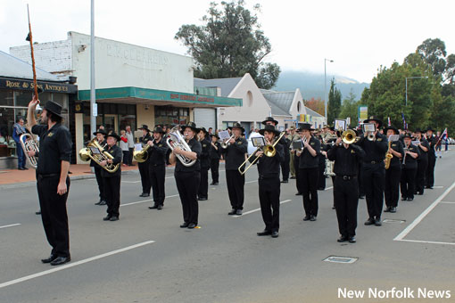 New Norfolk NEWS: New Norfolk's Anzac Day 2017 in pictures