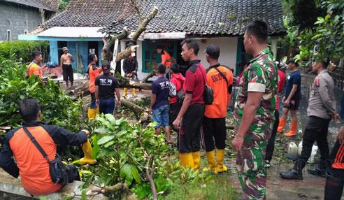 Puting Beliung di Desa Tekung