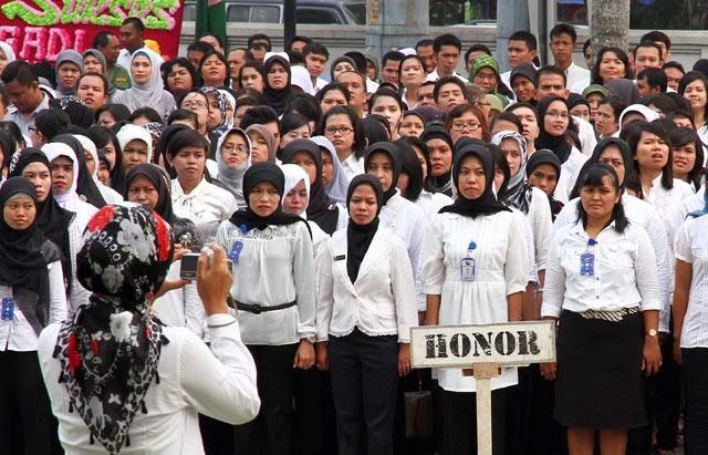 Akomodir Pengangkatan Honorer K2 Jadi PNS Tanpa Tes, UU ...