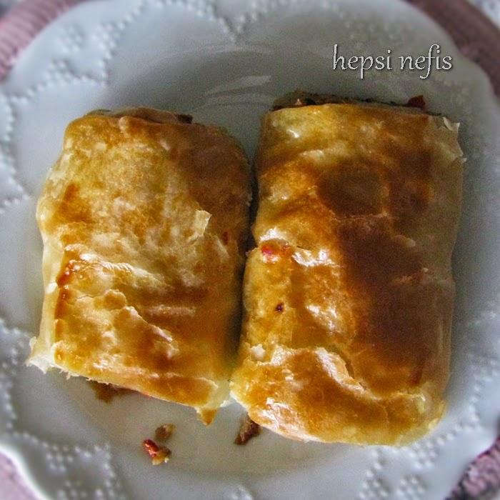 Patlıcanlı El Açması Börek Tarifi